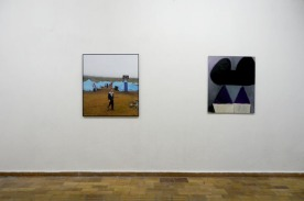 """""""Junge"""" Inkjet-Print von Kristina Berndt, """"Mickey House"""" Öl und Lackspray auf MDF von Caroline Guenther"""