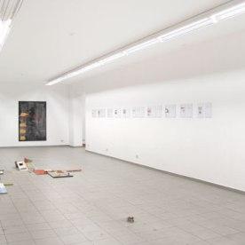 """""""Antworten 1-10"""" Digitaldruck von Jonas Lewek, """"Ausgrabungen I + II"""" Papiercollage von Caroline Guenther"""