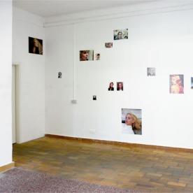"""""""Kellys"""" Digitaldrucke auf Affichenpapier von Caroline Guenther"""